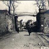 Verwoeste Rijselpoort - Ieper - juni 1917