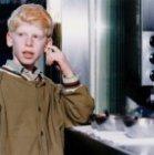 Jongetje bij falafelzaak in de Damstraat
