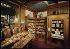 Interieur van sigarenmagazijn P.G.C. Hajenius, Rokin 96