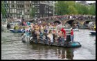 Canal Parade 2005 op de Amstel bij de Prinsengracht