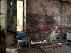 Interieur van een verlaten bedrijfsgebouw op het voormalig Storkterrein, Jacob B…