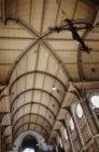 Interieur van de rooms-katholieke Sint-Bonifatiuskerk, Kastanjeplein 10. De hout…