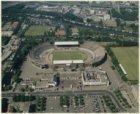 Luchtfoto van het Stadionplein en omgeving, gezien in oostelijke richting