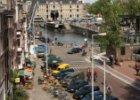 Het Rapenburgerplein gezien in noordoostelijke richting naar de Schippersgracht