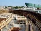 Bouwput voor de bouw van nieuwbouwwoningen en kantoren in het Oosterdok