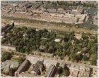 Luchtfoto van de Plantage Middenlaan (onderaan) en omgeving gezien in noordooste…