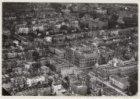 Luchtfoto van de Van Baerlestraat (midden) en omgeving gezien in noordwestelijke…