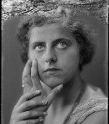 Elsa Bettyson