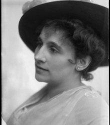 Sophie de 1873-1961) Vries (Louise Sophi...