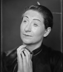 Nelly Elisabeth (Nel) Oosthout (1902-199...