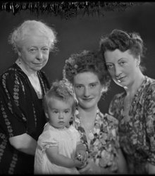 Elisabeth Cloppenburg, Elly Bartel, Alic...
