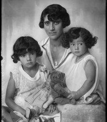 Sara Friedmann, Winnifred Renée Kugel, L...