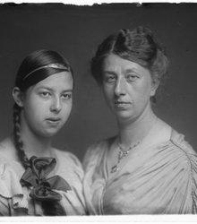 Brunhilda Emily Müller, Emily Alicia van...