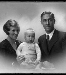 Co Merkelbach (1907-1942), Netty Bergman...