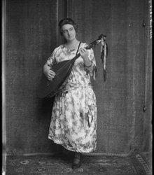Antoinette van Dijk (1879-1975)
