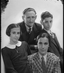 Dora Kahn-Weijl, Henri René Kahn, Robert...