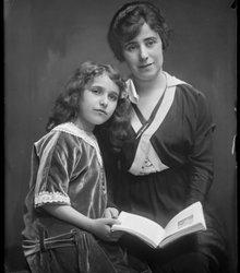 Johanna Tabakspinder, Florence Betty Joh...