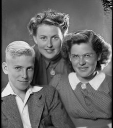 Joop, Ans en Teuny Bodegraven