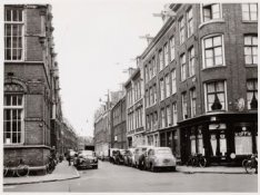 Govert Flinckstraat 245-243 enz. (v.r.n.l.)