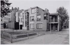 Houttuinen, Nieuwe 83-97