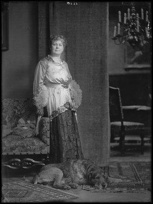 Alida Wilhelmina Franciska (Lous) Korlaa...