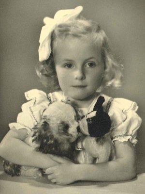 Marijke Kraaijenhof (1945)