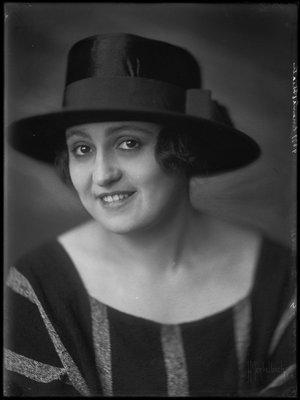 Nola Hatterman (1899-1984)