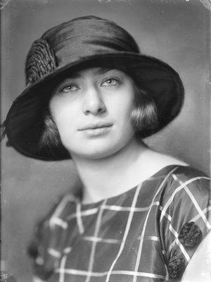 Schwartz, Alice Schwarz (1908-1996)
