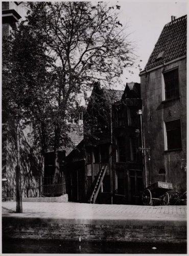 Beeldbank stadsarchief amsterdam kromme tuinstraat 1 3 v r n l het huis op nummer 1 verzakt - Lay outs binnenkomst in het huis ...