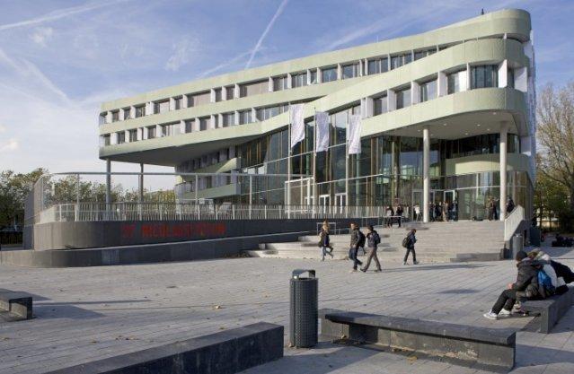 Het nieuwe Sint-Nicolaaslyceum, Beethovenplein 2