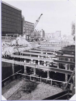 Metrobouw Weesperplein station