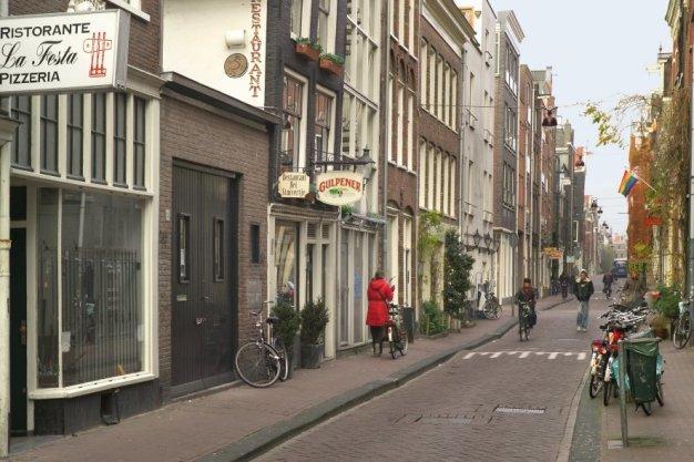 Hazenstraat 50-62 (v.r.n.l.), gezien naar kruising Elandsstraat