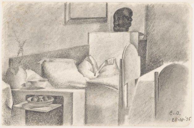 Interieur met meubelen in de stijl van de Amsterdamse School en een portretkop in de stijl van Hildo Krop. Techniek: zwart krijt