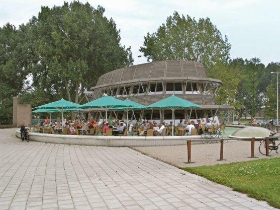 Amsterdamse Bos (gemeente Amstelveen) met Grandcafé de Bosbaan, Bosbaan 4
