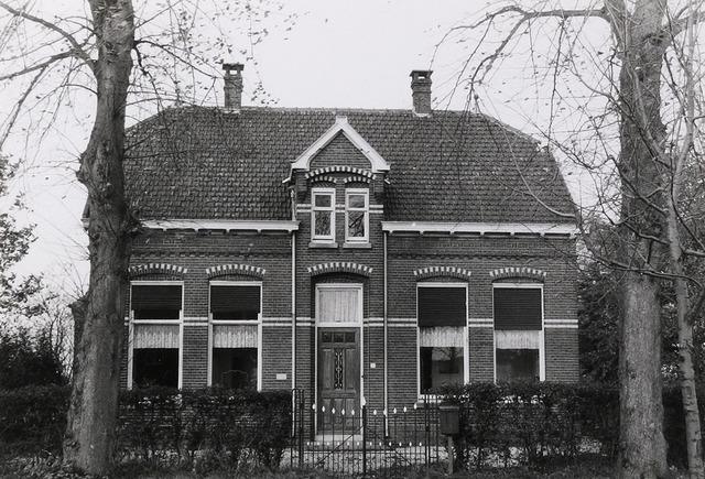 Schaijksestraat 17, Schaijk 1988 (foto: Wies van Leeuwen, Provincie Noord-Brabant, collectie BHIC PNB001057069)