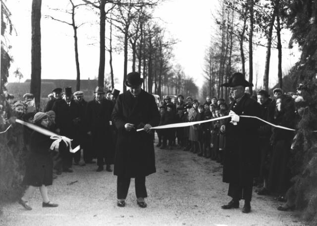 Opening van de Loosbroekseweg in 1938 (collectie BHIC, nr. 1656-000110)