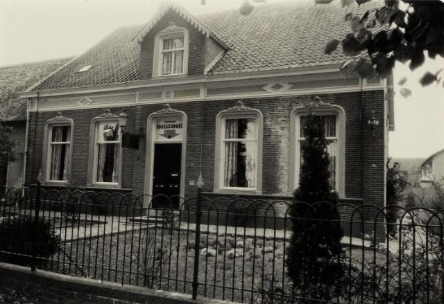 Burgemeester van Erpstraat, Berghem 1981 (foto: Wies van Leeuwen, Provincie Noord-Brabant, collectie BHIC: PNB001005300)