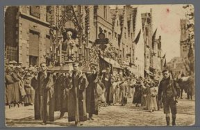 De Heilig-Bloedprocessie anno 1924.