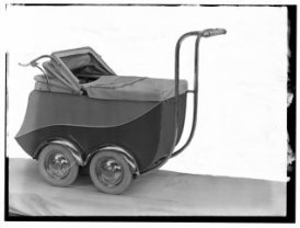 Kinderwagen uit de fabriek van de gebroeders Claeys in Zedelgem