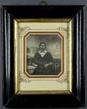Miniaturansicht Vorschau von Bildnis einer Frau mit weißem Kragen am Tisch…