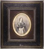 Visualizza Halbporträt einer stehenden jungen Frau, eine… anteprime su