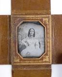 Visualizza Porträt eines unbekannten Mädchens mit Buch, … anteprime su