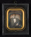 Visualizza Portrait of a man. anteprime su