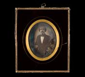 Visualizza Portrett av malermester H.C. Holtfodt. Portra… anteprime su