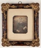 Visualizza Three quarter portrait of an elderly woman in… anteprime su