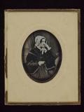 Visualizza Ältere Frau mit weißer Haube, einem schwarzen… anteprime su
