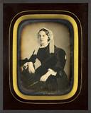 Thumbnail preview of Portrait de femme, à mi-genoux, assise, de tr…