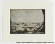 Visualizza Le Louvre et les Berges de la Seine, vue pris… anteprime su