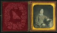 Visualizza Half leght seated portrait of young lady faci… anteprime su