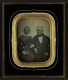 Visualizza Portrett av et eldre par, kvinne og mann med … anteprime su